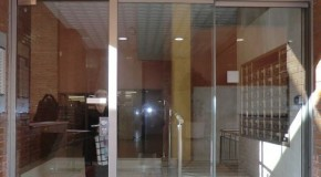 Una opción económica y fiable, ideal para la instalación de puertas